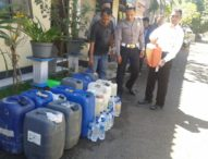 Polisi Sita Puluhan Liter Miras Jenis Arak