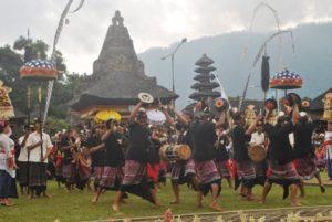 Baleganjur memeriahkan pembukaan Ulun Danu Culture and Art Festival