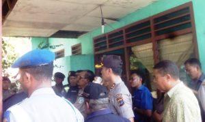 AKBP Yandri Irshan mengamankan eksekusi kantor Dinas PU Tamben Flotim.