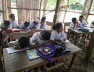 Siswa Flotim Sekolah di Gedung Mirip Kandang Kambing, Dinas PPO Acuh