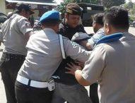 Polisi Aniaya Mahasiswa Saat Lakukan Aksi Protes Pemadaman Listrik