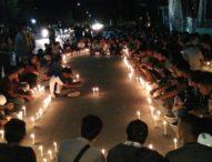 Aksi 1.000 Lilin Desak Polisi Tangkap Pelaku Utama Pembunuhan Heri Lamawuran