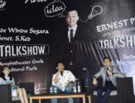 Ernest Prakasa dan Dr. Made Windu Pukau Ratusan Mahasiswa Bali