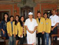 Rai Mantra Ajak Mahasiswa Berbahasa Bali Setiap Rabu, Purnama dan Tilem