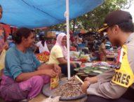 Jelang Hari Raya Natal, Kapolres Flotim Pantau Harga Pasar