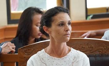 Sidang Pembunuhan Polisi – Sarah Bantah Bajunya Ada Darah