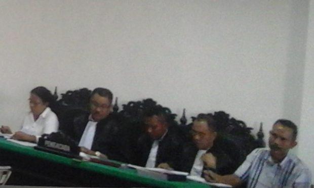 Korupsi Alkes SBD, Dua Terdakwa Dituntut 4,6 Penjara