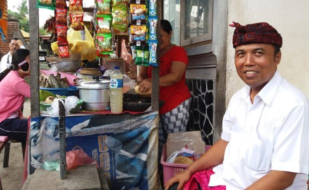 Sukrawan Kampanye dari Rumah ke Warung