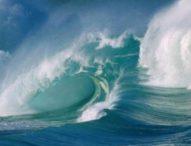Gelombang Capai 4 Meter, Pelabuhan di Selatan Bali Tutup Sementara