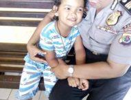 Aksi Heroik Polwan di NTT Selamatkan Bocah Perempuan yang Diterlantarkan
