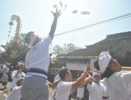 Tradisi Mesuryak di Hari Raya Kuningan