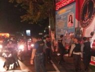 Polisi Tertibkan Baliho Ormas