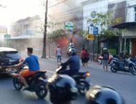 Diduga Korsleting, Dua Ruko dan Rumah Bale Dauh Terbakar Bersamaan