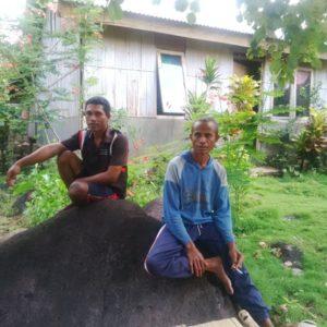 Dua warga yang masih bertahan di Translok Odang