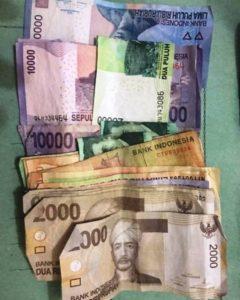 Uang hasil pungli Yodi dan Fajar