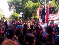 Buruh di Bali Serukan Tolak Kebijakan Ekonomi Jokowi – JK