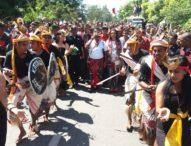 Ritual Adat dan Pasukan Berkuda Antar Bupati TTU Daftar ke PDIP