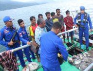 Walau Berusaha Kabur, Pengebom Ikan Asal Ende Berhasil Diringkus Tim Patroli Laut Flotim
