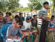 Perjuangan Brigpol Kresna Ola – Polisi Perbatasan Jadi Guru Warga Eks Timor Timur yang Buta Aksara