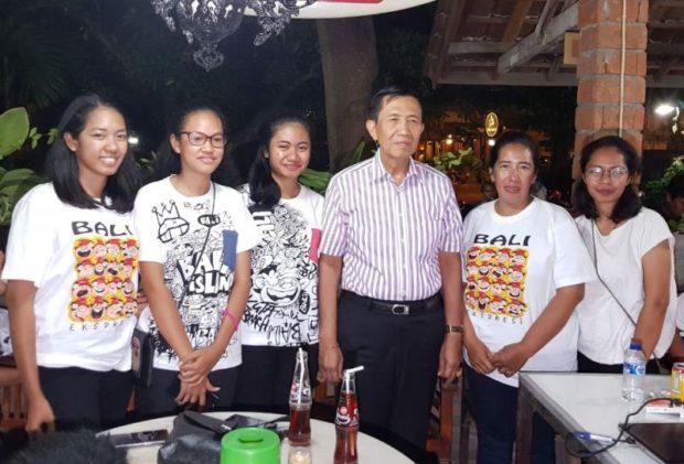Gubernur Bali Hadiri Malam Amal Untuk Cece Riberu