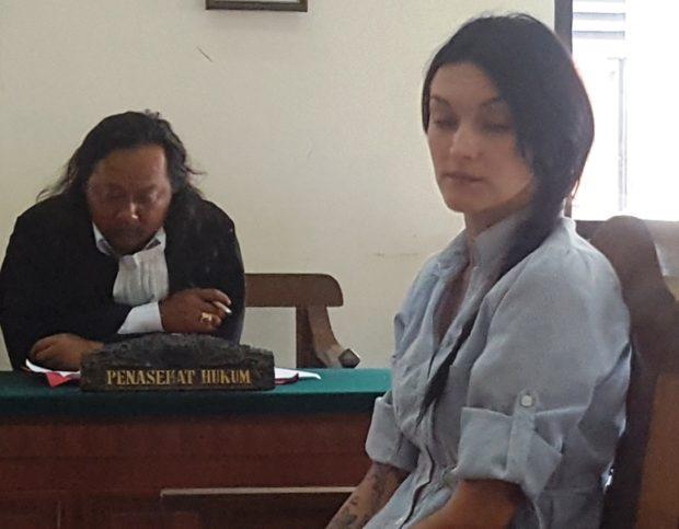Fasih Bahasa Indonesia, Wanita Cantik WN Rusia Ini Disidang Tanpa Penerjemah