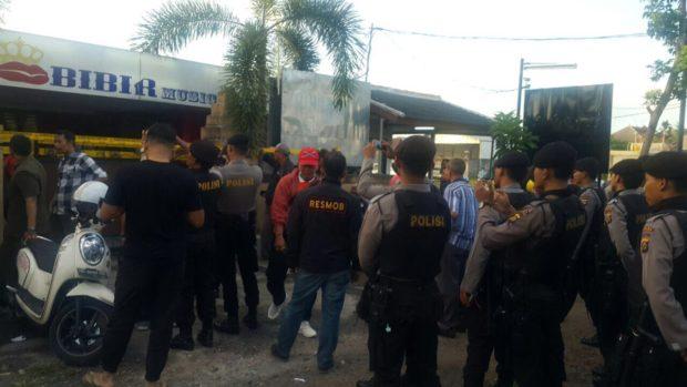Kafe Bibir Ditutup – Digerebek Polisi Ditemukan Narkoba