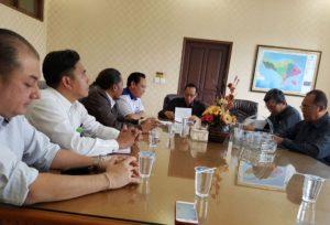 Wayan Purwita dkk menemui KPT Bali Ketut Gede