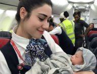 Nurul Saimah Melahirkan Bayi Laki-Laki Dalam Pesawat