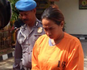 Saripa Sarha, istri Saldy Sewang-sama-garong di Bali