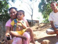 Kampung Tak Bersinyal, Warga Lewo Awang Flores Timur Telepon Menggunakan Tempurung Kelapa