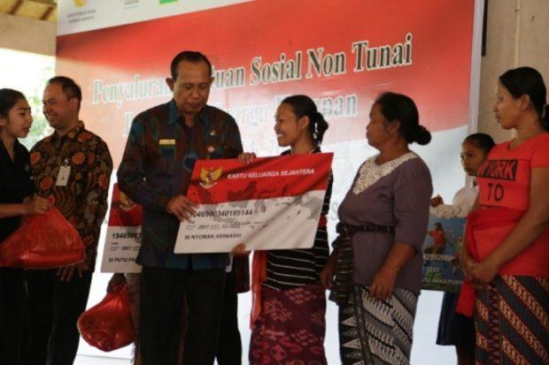 6.791 KPM Tabanan Terima Bantuan Sosial Non Tunai Program Keluarga Harapan dari Kemensos