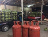Gudang Pengoplos LPG Digerebek Petugas, Petugas sita Ratusan Tabung