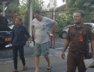 Dilimpahkan, Bule Belanda Pemilik 0,83 Gram Hasish Terancam 12 Tahun Penjara