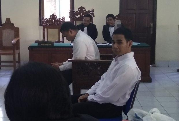 Sidang Pembunuhan Anggota TNI : Diperiksa, Kedua Terdakwa Cari Selamat