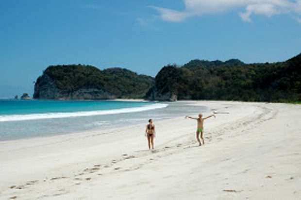 Jika ke NTT Jangan Lupa Berkunjung ke Pantai Terimbang