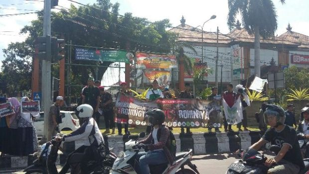 Ratusan Pemuda di Bali Galang Dana Tragedi Rohingya