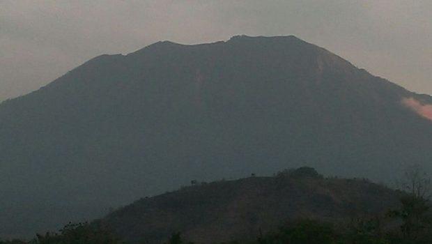 Antisipasi Gunung Agung Meletus, Pemkab Karangasem Siapkan Tim Khusus