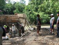 Sidak Proyek, Bupati Arta Minta  Rekanan Jangan Kurangi Kualitas Pekerjaaan