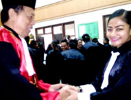 Layani Klien dengan Baik, Rezeki datang Sendiri – KPT Bali Lantik 34 Advokat Peradi
