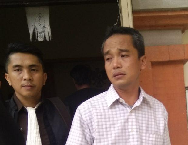 Dituntut 4,5 tahun, Mantan Kepala Cabang PT. Pola Labindo Bali Menangis