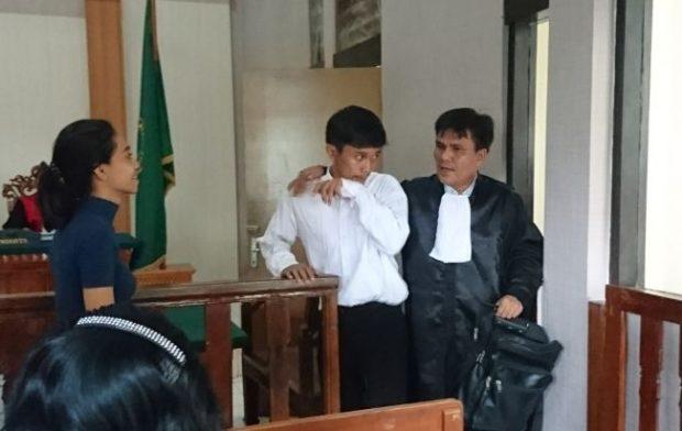 Dituntut 6 Tahun Penjara, Pengedar Ganja Langsung Nangis
