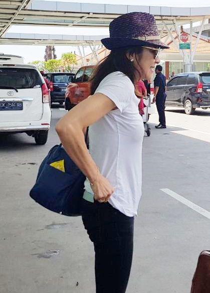 Michelle Yeoh dan Suami Tinggalkan Bali – Setelah Libur 10 Hari
