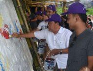 Puluhan Seniman Mural Percantik Youth Park Denpasar