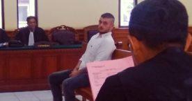 Ketangkap Bawa 10 Butir  Ekstasi, Bule Italia Terancam 12 Tahun Penjara