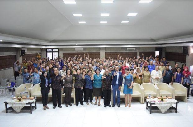 STMIK STIKOM Bali Gelar Seminar Literasi Budaya Melalui TIK