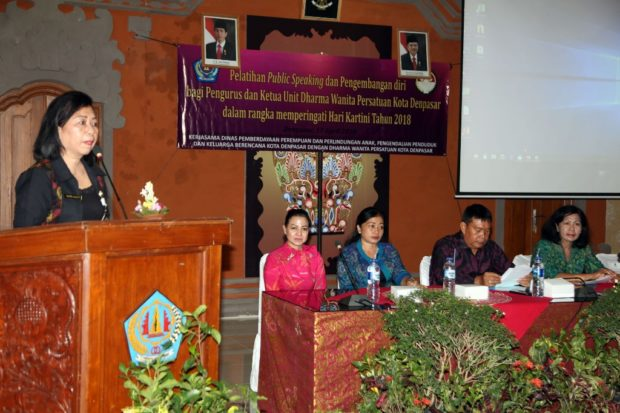 Pemkot Denpasar Gelar Pelatihan  Public Speaking Sasar DWP