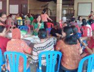 Bantu Ekonomi Keluarga-Ibu-Ibu Rumah Tangga di Denpasar Dilatih Membuat Kue