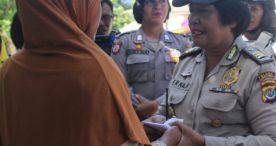 Kobarkan Perjuangan Kartini,Polwan Polres Flotim Salurkan Cinta