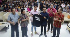 Berkunjung ke STIKOM Bali, Putra Presiden Tertarik dengan Bukaloka