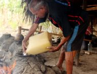 Yohanes Igo Manuk :Tuak Jadi Arak,Disiplin di Pohon-Disiplin di Tungku